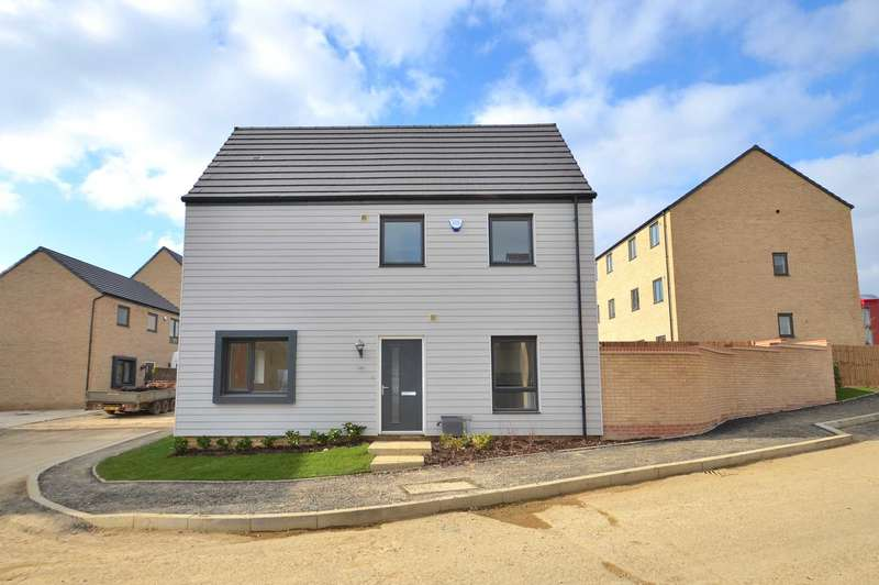 4 Bedrooms Detached House for sale in Holden Avenue, Oxley Park