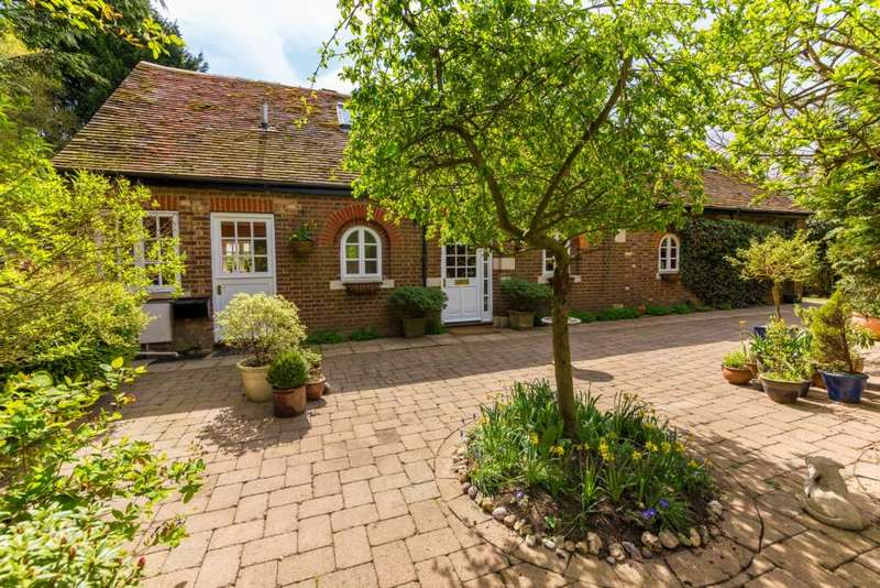 3 Bedrooms Barn Conversion Character Property for sale in Ivy House Lane, Berkhamsted