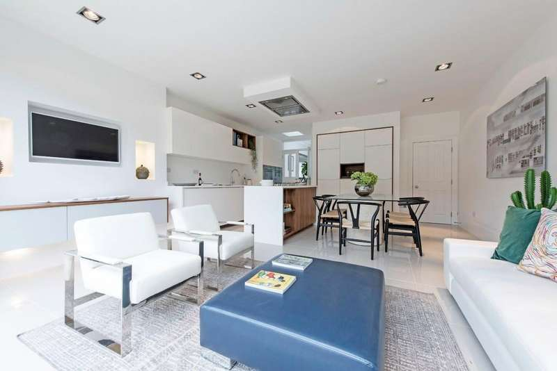 5 Bedrooms Terraced House for sale in Hosack Road, London