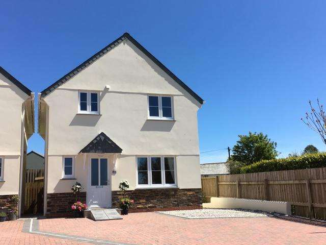 3 Bedrooms Detached House for sale in St Teath