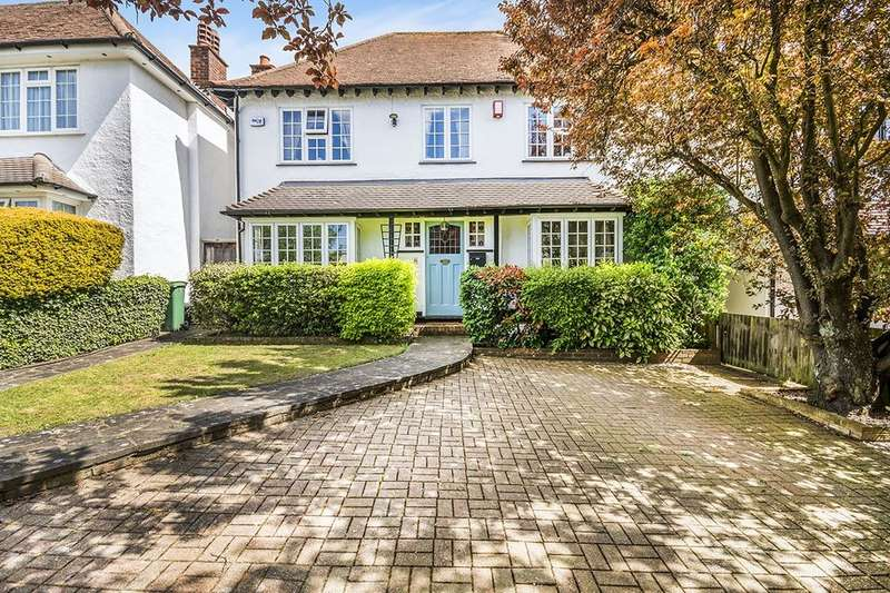 3 Bedrooms Detached House for sale in Woodmansterne Road, Carshalton Beeches, SM5
