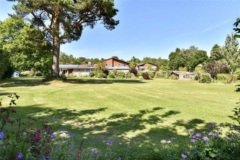6 Bedrooms Detached House for sale in High Broom Lane, Crowborough