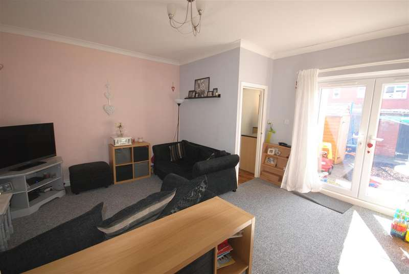 3 Bedrooms Terraced House for sale in George Street, Hindley, Wigan