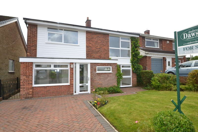 4 Bedrooms Detached House for sale in Troutbeck Road, Gatley