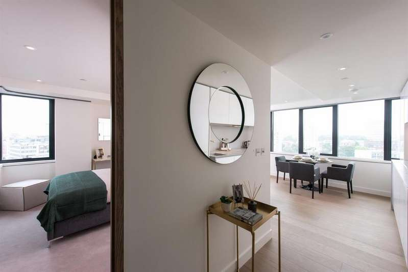 1 Bedroom Apartment Flat for sale in 2 Fann Street, Barbican, London