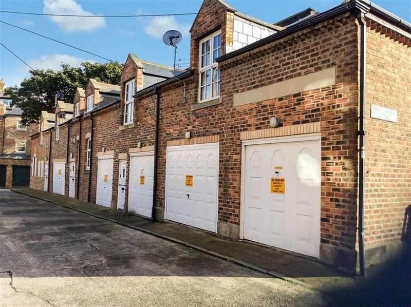 6 Bedrooms Terraced House for sale in Percy Gardens Cottages, Tynemouth