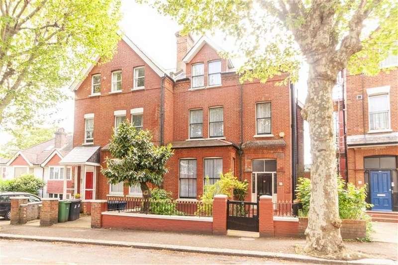 6 Bedrooms Semi Detached House for sale in Heathfield Road, London