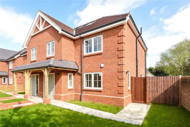 4 Bedrooms Semi Detached House for sale in Lambourne Place, Ickenham, Uxbridge, Middlesex, UB10
