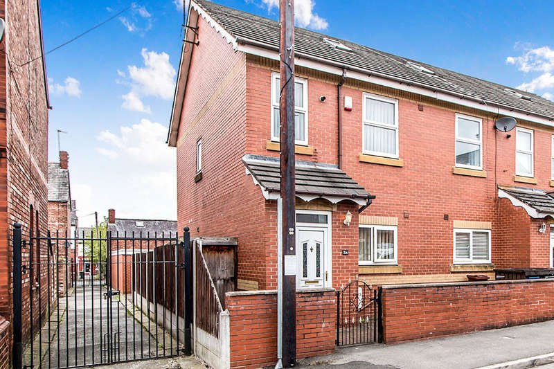 3 Bedrooms Semi Detached House for sale in Claremont Range, Manchester, M18