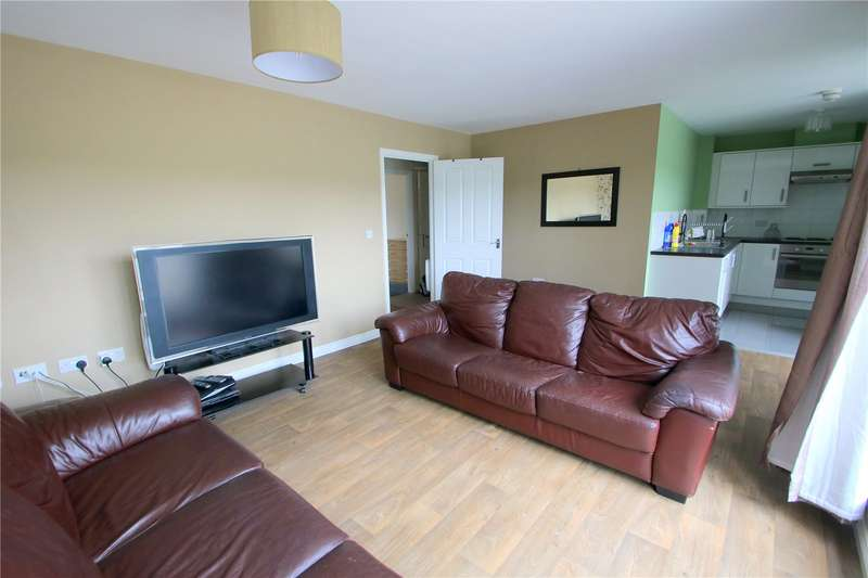 2 Bedrooms Flat for rent in Paxton Drive Bristol BS3