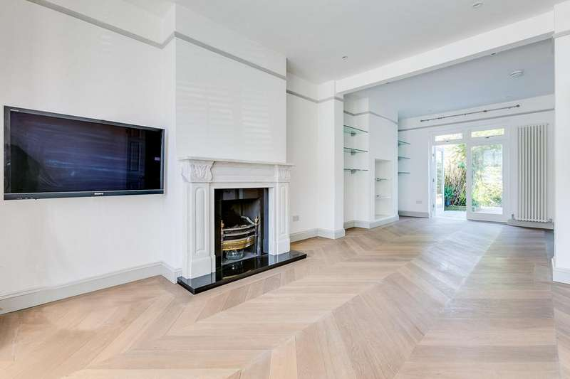 4 Bedrooms House for rent in Blandford Road, London, W4