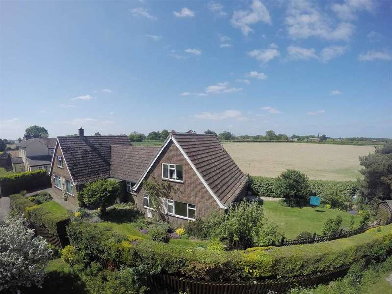 5 Bedrooms Bungalow for sale in The Street, Shotley, Ipswich, Suffolk