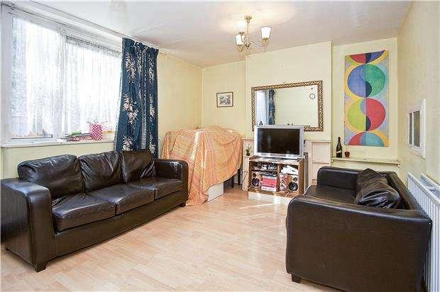 3 Bedrooms Maisonette Flat for sale in Buriton House, Dilton Gardens, London, SW15