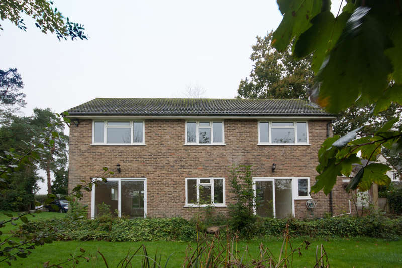 4 Bedrooms Detached House for rent in Horsham Road, Beare Green, Dorking