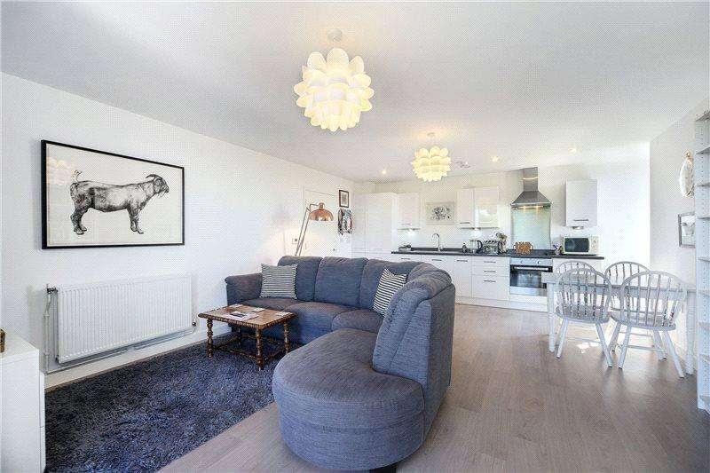2 Bedrooms House for sale in Cranston Court, 56 Bloemfontein Road, London, W12