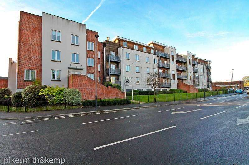 1 Bedroom Flat for sale in Burghley Court, MAIDENHEAD, SL6