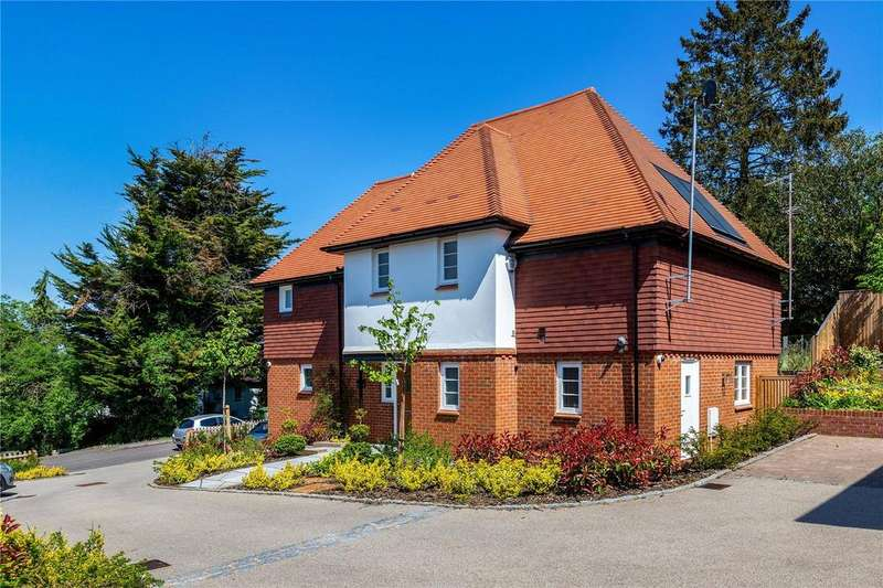 4 Bedrooms Detached House for sale in Ashlyns Road, Berkhamsted, Hertfordshire, HP4
