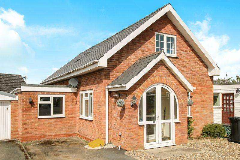 4 Bedrooms Link Detached House for sale in MARDEN