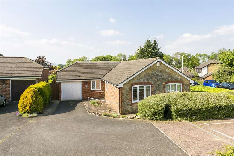 3 Bedrooms Bungalow for sale in Rocks Close, East Malling, West Malling
