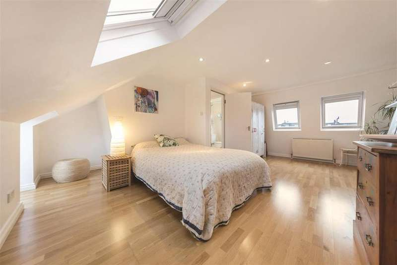 4 Bedrooms Terraced House for sale in Astonville Street, SW18