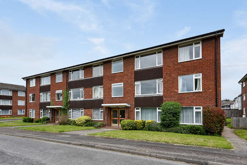 2 Bedrooms Flat for sale in Sterling Court, Cheltenham