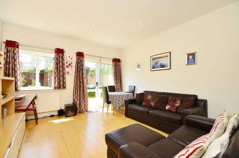3 Bedrooms Flat for sale in Tritton Road, West Dulwich, SE21