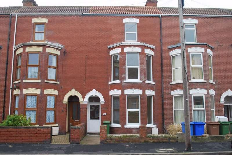 5 Bedrooms Town House for rent in Bannister Street, WITHERNSEA, East Riding of Yorkshire