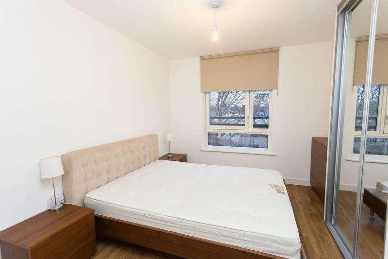 2 Bedrooms Apartment Flat for sale in Bluebell House, Redwood Park, Canada Water, SE16