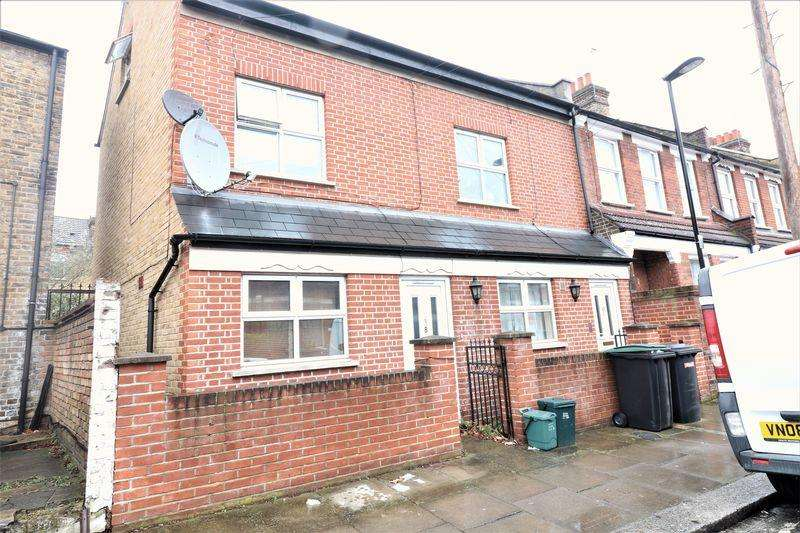3 Bedrooms Apartment Flat for sale in 3 Bedroom Maisonette Terraced Property For Sale