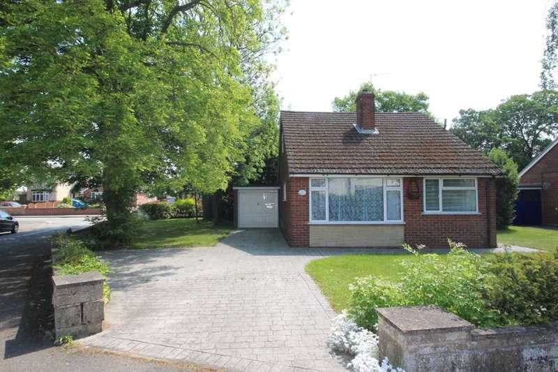 3 Bedrooms Detached Bungalow for sale in Leamington Road, Branston, Burton-On-Trent, DE14