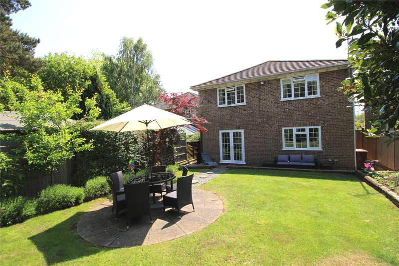 4 Bedrooms Detached House for sale in The Robins, Hook End, Brentwood, Essex