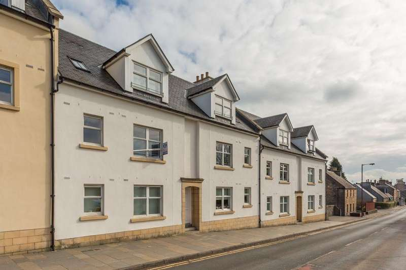 2 Bedrooms Ground Flat for sale in 90/2 Main Street, Kirkliston, EH29 9AD