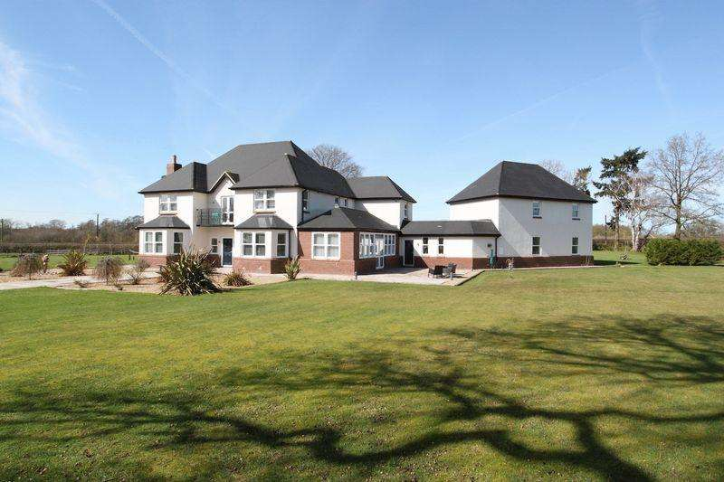 5 Bedrooms Detached House for sale in Willoughbridge, Market Drayton