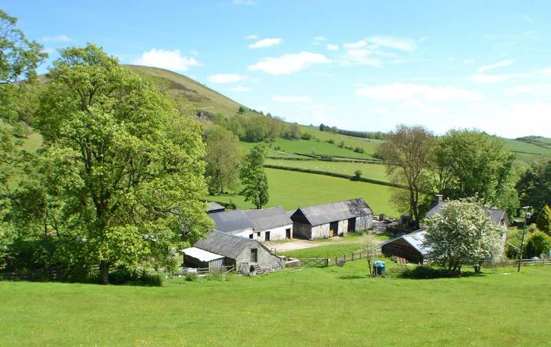 6 Bedrooms Equestrian Facility Character Property for sale in Llandeilo Graban, Builth Wells, Powys