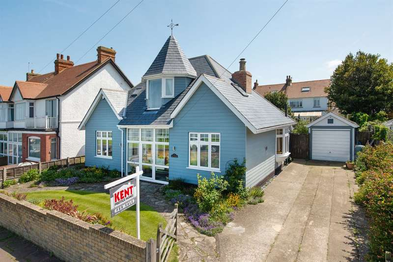 4 Bedrooms Detached Bungalow for sale in Beacon Hill, Herne Bay
