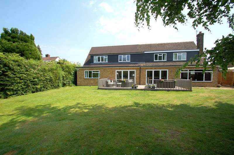 6 Bedrooms Detached House for sale in Links Approach, Flackwell Heath, HP10