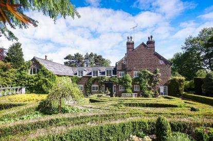 7 Bedrooms House for sale in Macclesfield Road, Prestbury, Macclesfield, Cheshire