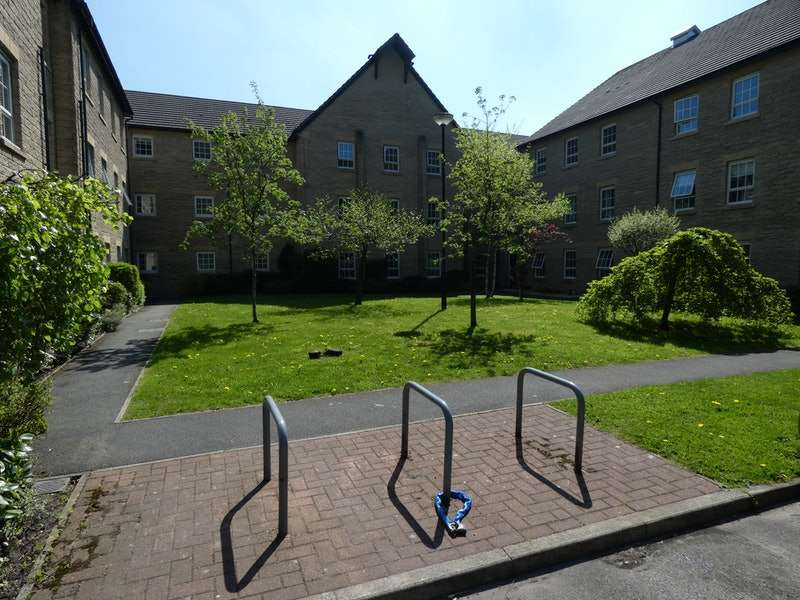 2 Bedrooms Flat for sale in Gale Close, Littleborough, Greater Manchester, OL15