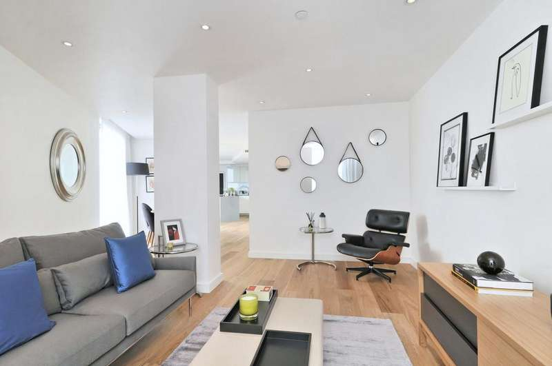 3 Bedrooms Flat for rent in Camley Street, London, N1C