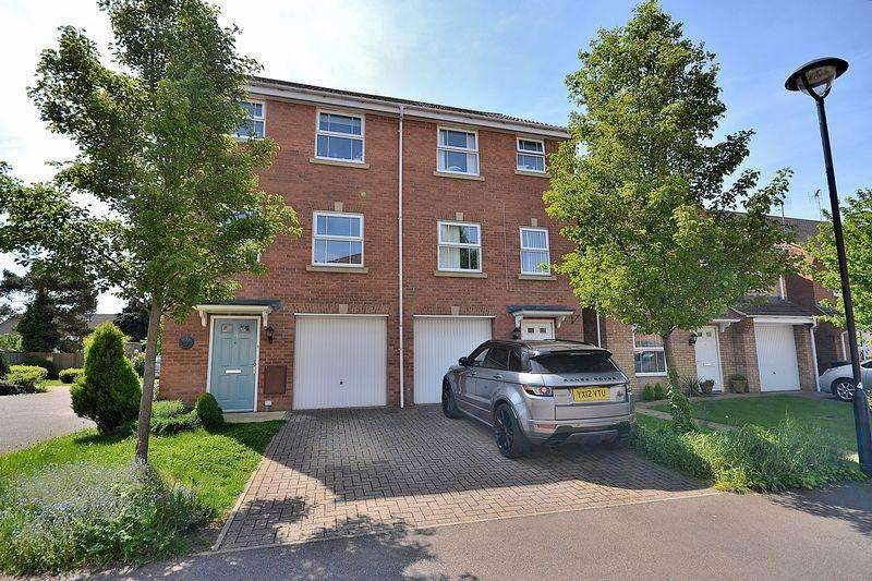 4 Bedrooms Semi Detached House for sale in Wellington Way, Leighton Buzzard