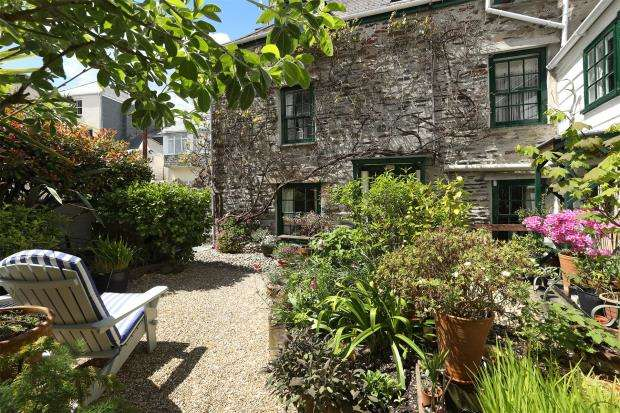 3 Bedrooms End Of Terrace House for sale in Princes Street, West Looe, Cornwall