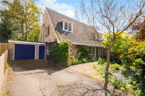 4 Bedrooms Detached Bungalow for sale in Church Avenue, Farnborough, Hampshire