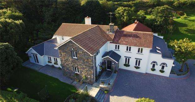 7 Bedrooms Detached House for sale in La Ruette Des Fries, Castel, Guernsey