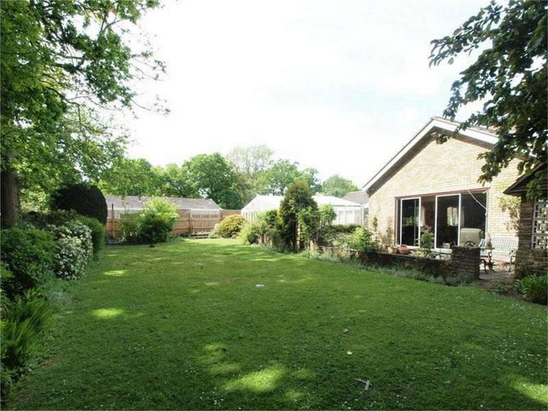 4 Bedrooms Detached Bungalow for sale in Scotts Lane, Bromley, Kent