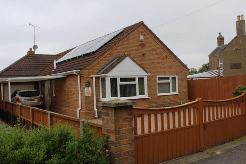 3 Bedrooms Detached Bungalow for sale in Railway Lane North, Sutton Bridge, Spalding, Lincs, PE12 9UY