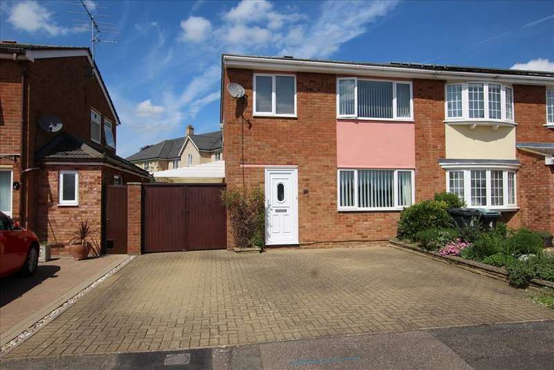 3 Bedrooms Semi Detached House for sale in Brandreth Place, Sandy, SG19