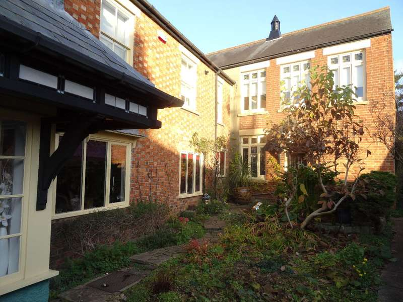 3 Bedrooms Semi Detached House for sale in HIGH STREET SOUTH, OLNEY