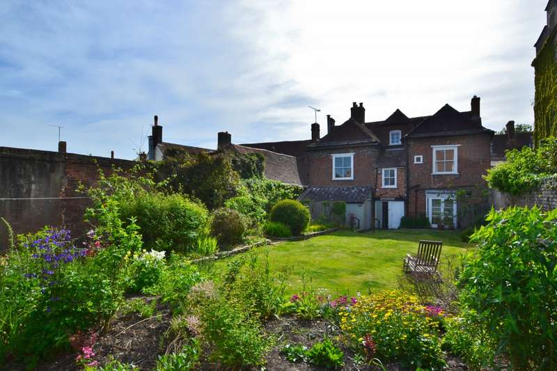 5 Bedrooms Flat for sale in Wareham