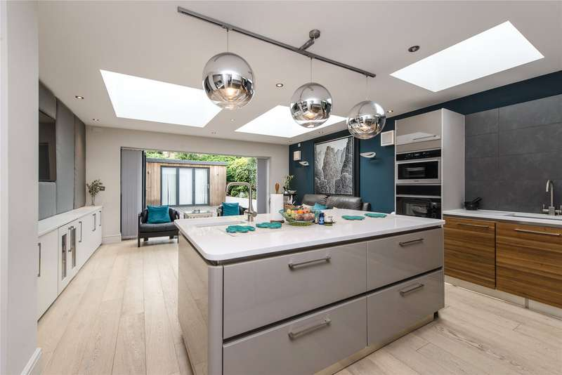 4 Bedrooms Semi Detached House for sale in Parkwood Road, Wimbledon, London, SW19