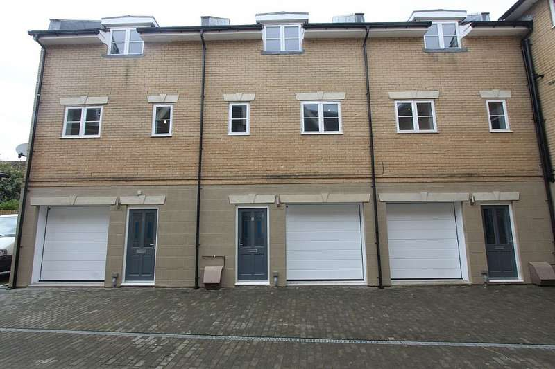 2 Bedrooms Town House for rent in Southland Mews, 65 Park Road, Ryde, Isle of Wight, PO33 2FQ